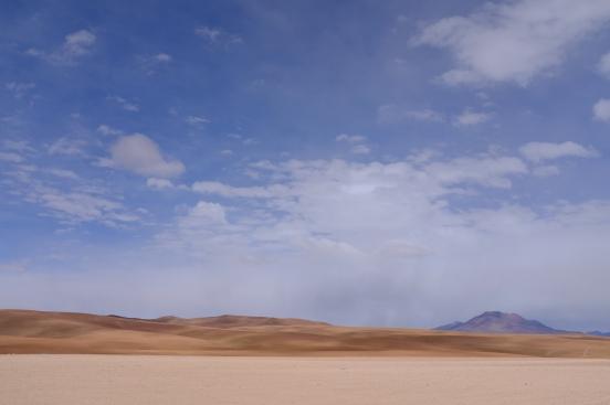 Všude kolem poušť